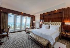 کرونا و زمینگیر شدن صنعت هتلداری و گردشگری خبر کیش